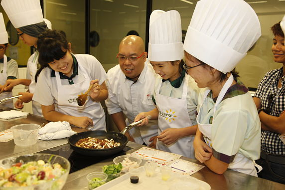 NNestlé Healthy Kids teams up with Singapore chefs to celebrate International Chefs Day